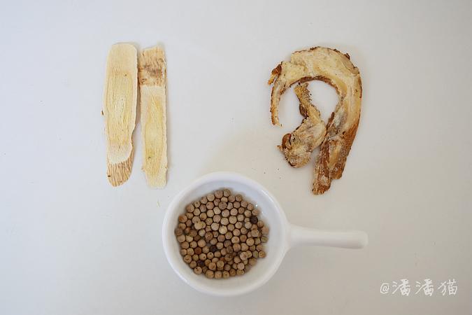 【胡椒猪肚煲腐竹】夏天喝碗热汤更舒坦 - 纸皮核桃 微信 c24628 - 185纸皮核桃的美食博客