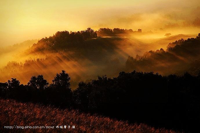 在大兴安岭的最高峰看云海日出 - H哥 - H哥的博客