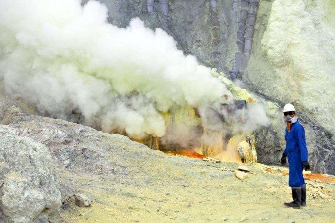 """【印尼】穿越火山口,探秘""""人间炼狱""""伊真火山 - 海军航空兵 - 海军航空兵"""