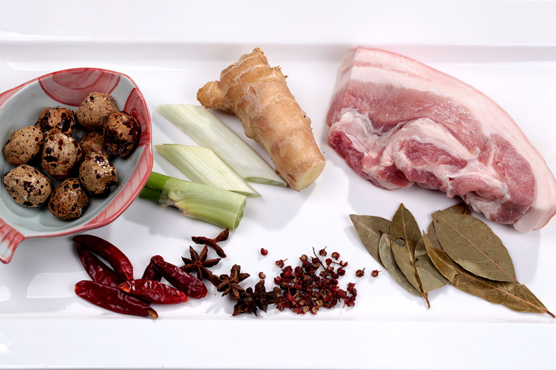 寒秋炖一锅暖暖的鹌鹑蛋炖红烧肉暖心暖胃 - 慢美食 - 慢 美 食