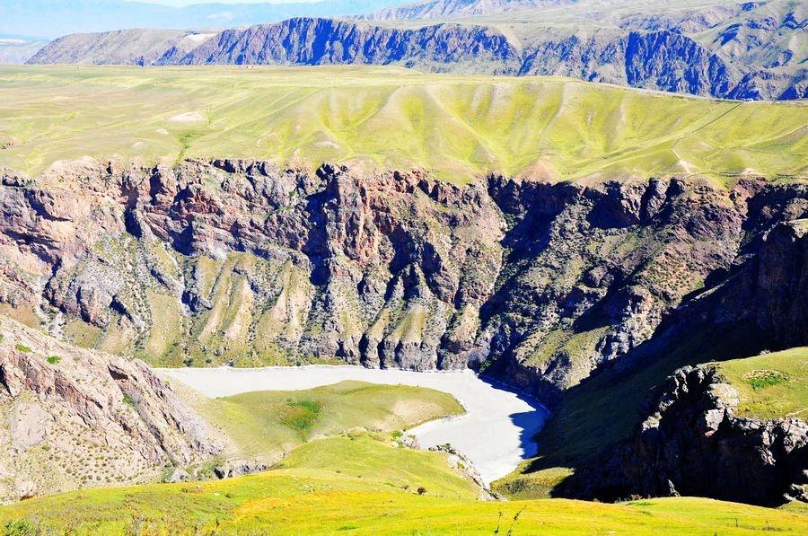 北疆阔克苏大峡谷,九曲十八弯 - 海军航空兵 - 海军航空兵