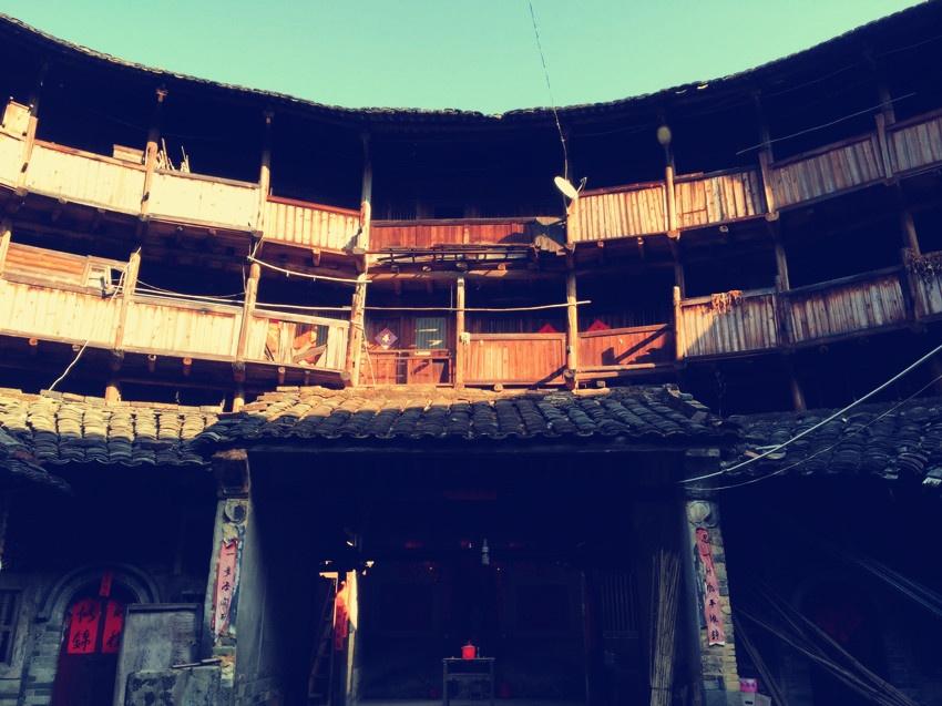 围着土楼转圈圈 - yushunshun - 鱼顺顺的博客