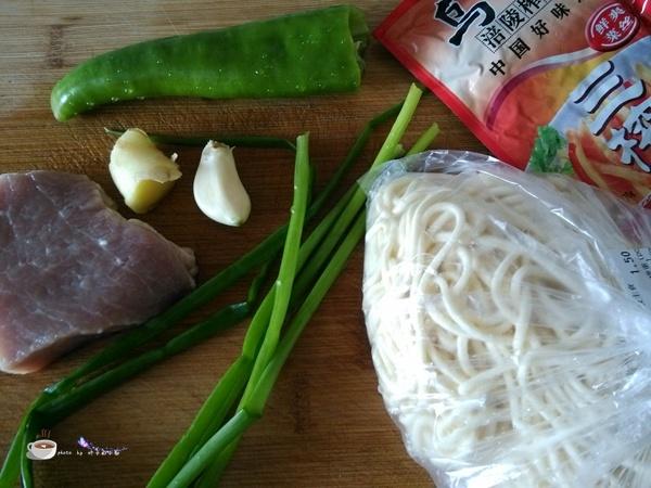 榨菜肉丝面 - 叶子的小厨 - 叶子的小厨