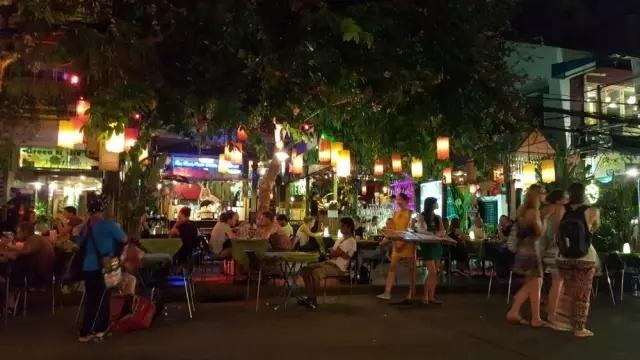 去哪玩 | 你想在家乡的寒冬里大雪纷飞,还是飞到曼谷享受艳阳四季如春 - toni雌和尚 - toni 雌和尚的时尚经