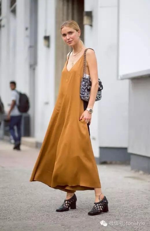 搭配经|跟着我来翻翻博主的衣橱 - toni雌和尚 - toni 雌和尚的时尚经