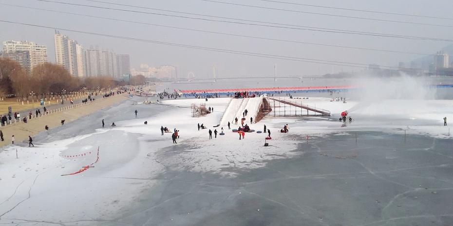玩在冰上 - 淡淡云 - 淡淡云