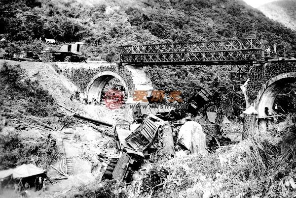 爬火车,那个炸桥梁 越南铁道游击队的战斗成果 - 爱历史 - 爱历史---老照片的故事