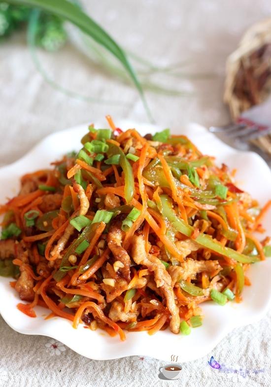 从此爱上胡萝卜--绝对好吃的胡萝卜炒肉丝的做法 - 叶子的小厨 - 叶子的小厨