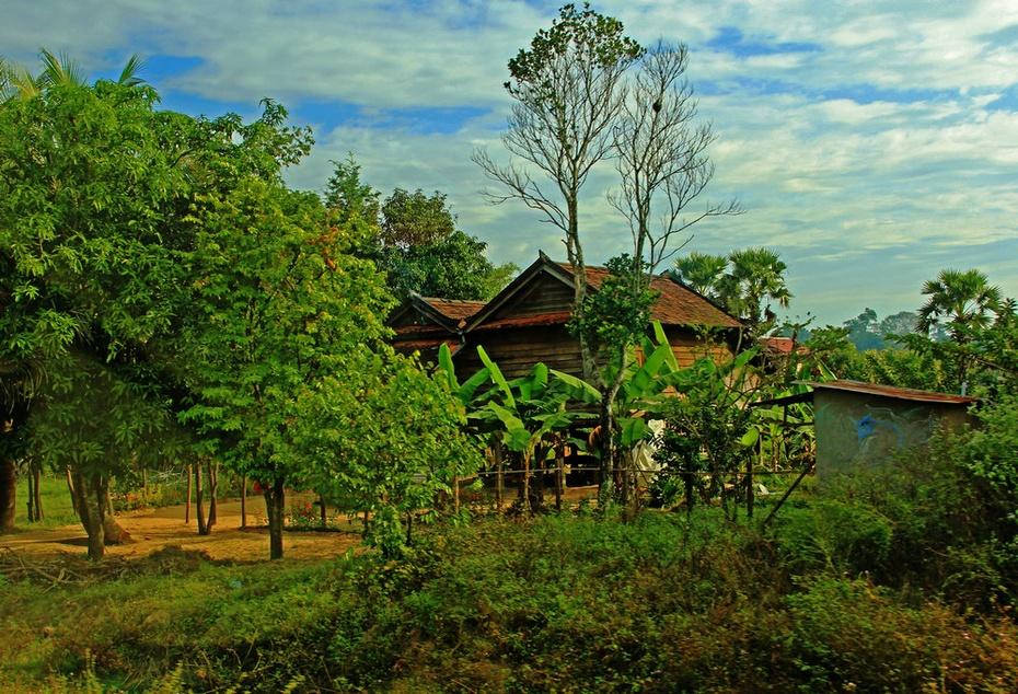 柬埔寨农村风光美,荔枝山石佛特色浓-游奇迹吴哥窟之九 - 侠义客 - 伊大成 的博客
