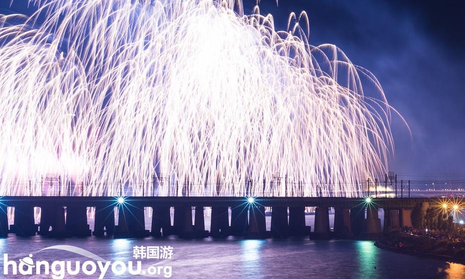 夜幕下的首尔汝矣岛震撼烟花秀 - 海军航空兵 - 海军航空兵