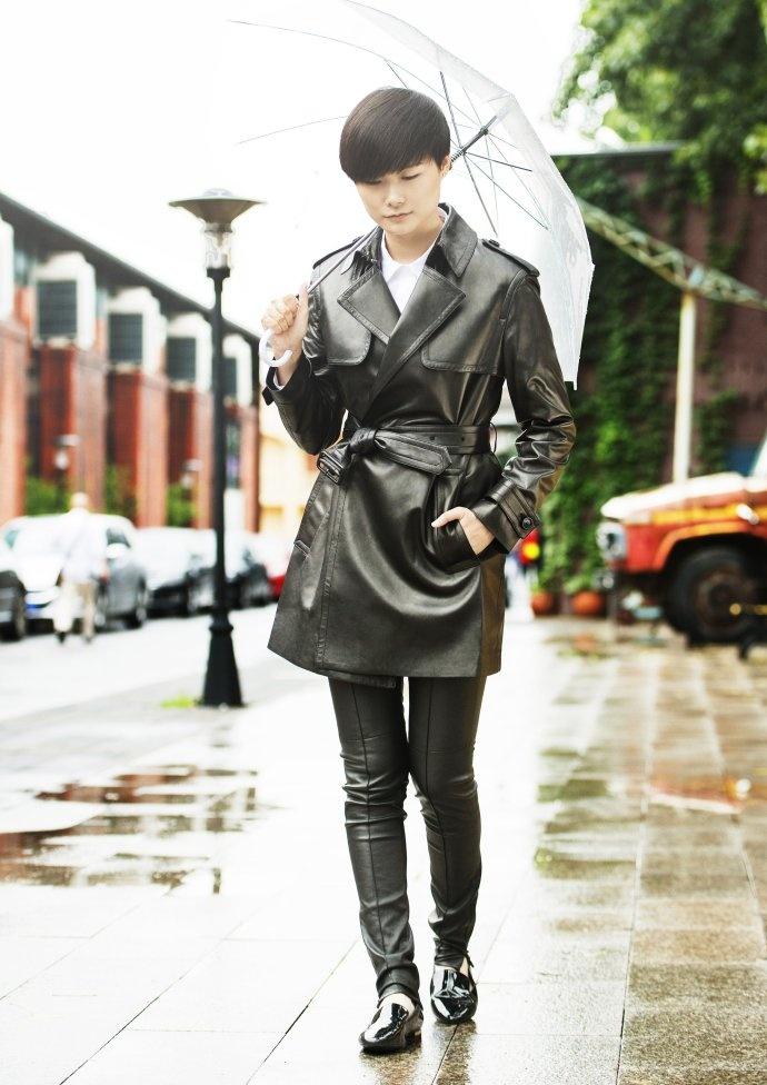 百年风衣,经典再现 - Burberry风衣艺术展成都开幕 - toni雌和尚 - toni 雌和尚的时尚经