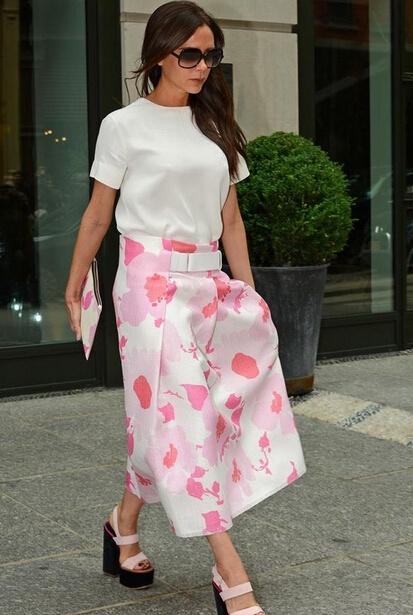学明星潮人演绎印花裙 成为夏日街头软妹纸 - 嘉人marieclaire - 嘉人中文网 官方博客