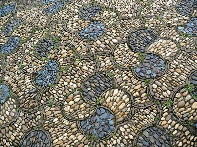 [转载]美图美画:鹅卵石小路如此美丽