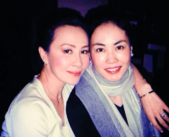 李小冉大婚谢娜没来 女星台上做闺蜜台下比衣品 - 嘉人marieclaire - 嘉人中文网 官方博客
