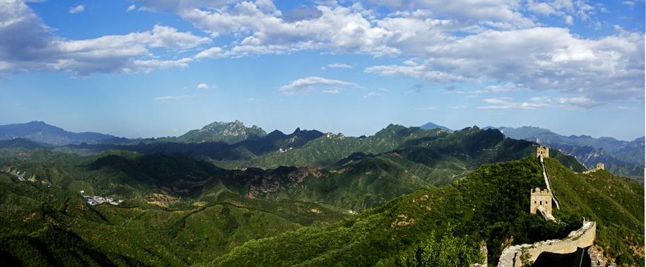 云蒸霞蔚金山岭,蜿蜒长城如巨龙 - H哥 - H哥的博客