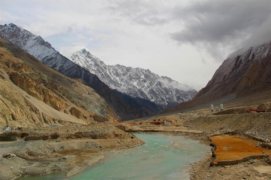 新疆:帕米尔高原柯尔克孜人的织绣生活 - 海军航空兵 - 海军航空兵
