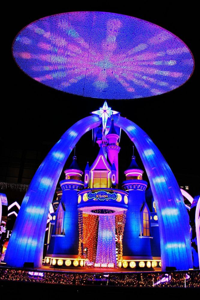 蓝色港湾秀新年,灯光童话如梦幻 - 侠义客 - 伊大成 的博客
