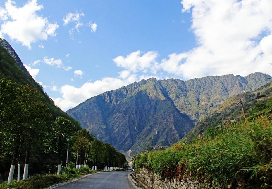 峡谷溯流走怒江,谷深山险石月亮--云南怒江游之二 - 侠义客 - 伊大成 的博客