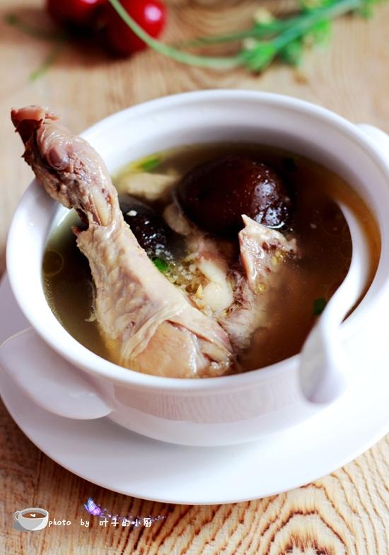 香菇炖柴鸡 - 叶子的小厨 - 叶子的小厨