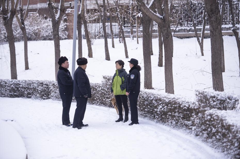 """公园出动""""打狗专用车"""" 发现遛狗及时逮捕 - 东亚影像 - 东亚影像"""
