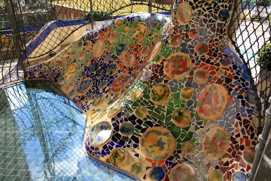 欧洲行29:高迪现代艺术之巴特罗公寓 - 余昌国 - 我的博客