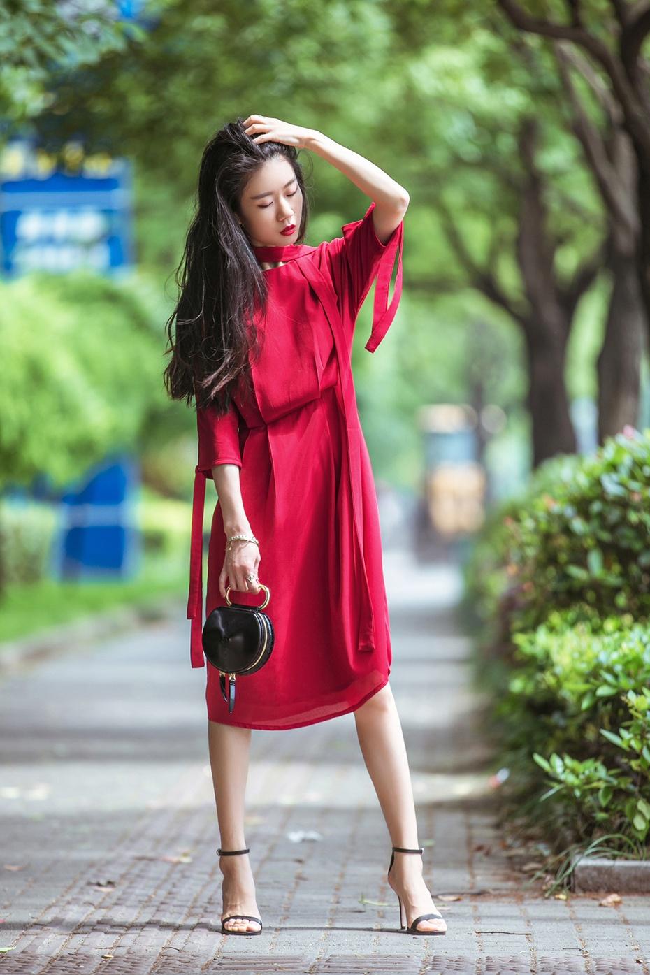 [Ava搭配日记]一条连衣裙N种穿法 - AvaFoo - Avas Fashion Blog