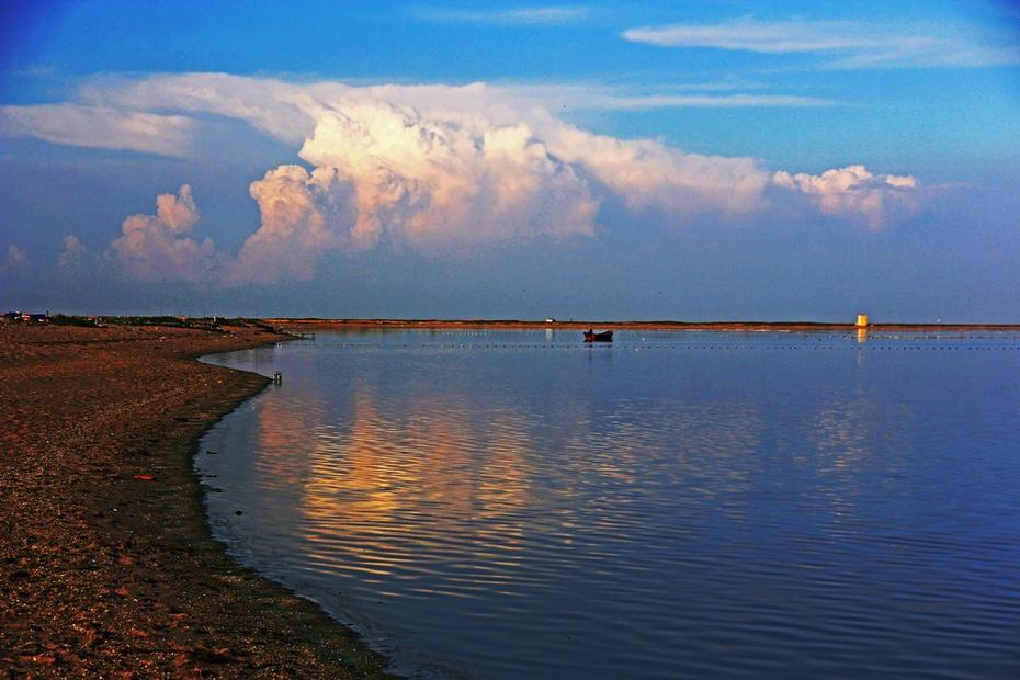 鹰飞鹤舞大草原,蔚蓝宝石贝尔湖-暑期东北行之九 - 侠义客 - 伊大成 的博客