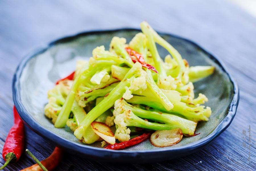 干煸菜花,这样炒素菜比肉还要香-狼之舞 - 荷塘秀色 - 茶之韵