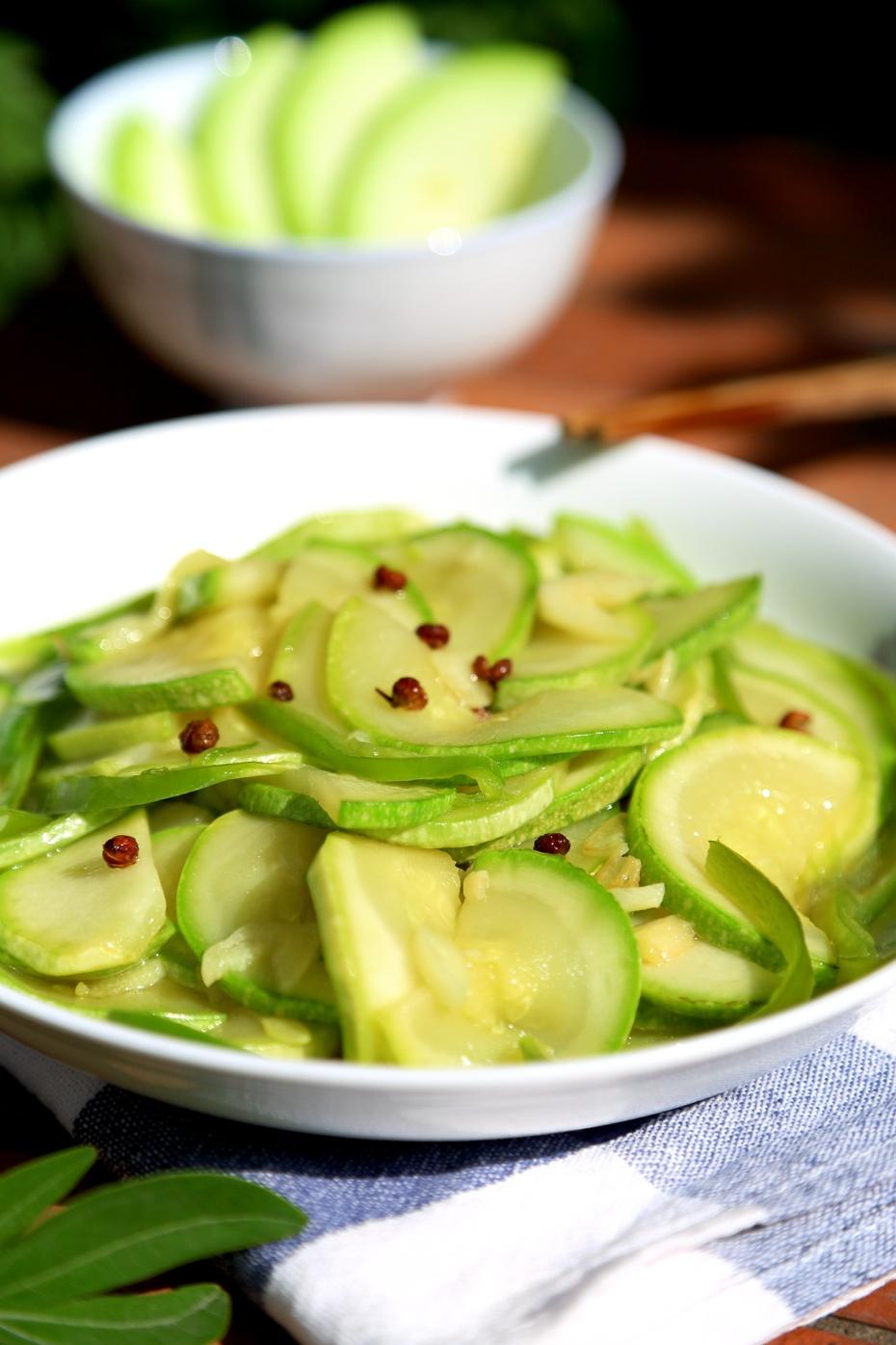 炒菜瓜,几粒花椒就出彩 - 海军航空兵 - 海军航空兵
