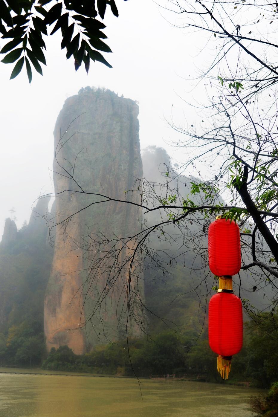 鼎湖峰,黄帝飞天的地方大红灯笼高高挂 - 海军航空兵 - 海军航空兵