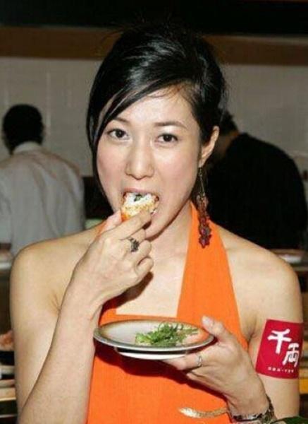 刘诗诗戚薇宋茜 吃货女星豪放吃相大盘点 - 嘉人marieclaire - 嘉人中文网 官方博客