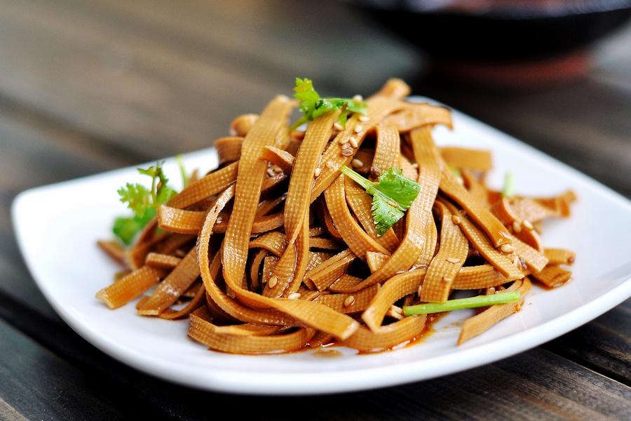 卤豆腐皮,吃起来比肉还要香,宴客不丢面儿-狼之舞 - 荷塘秀色 - 茶之韵