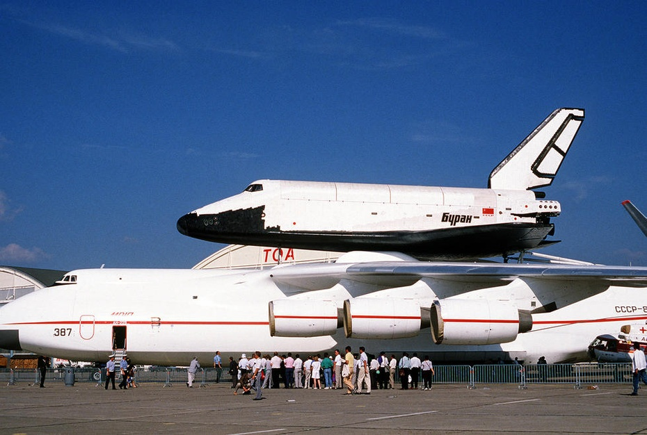 世界上最大的飞机,可装进50辆车