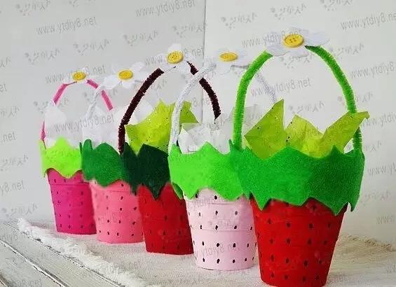 不过也有简单的方法,可以买到专门用于手工制作的彩色纸杯,非常方便.