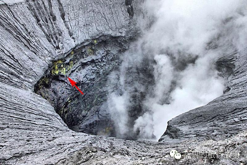 实拍印尼火山喷发 毒气遮天蔽日似地狱之门 - 海军航空兵 - 海军航空兵