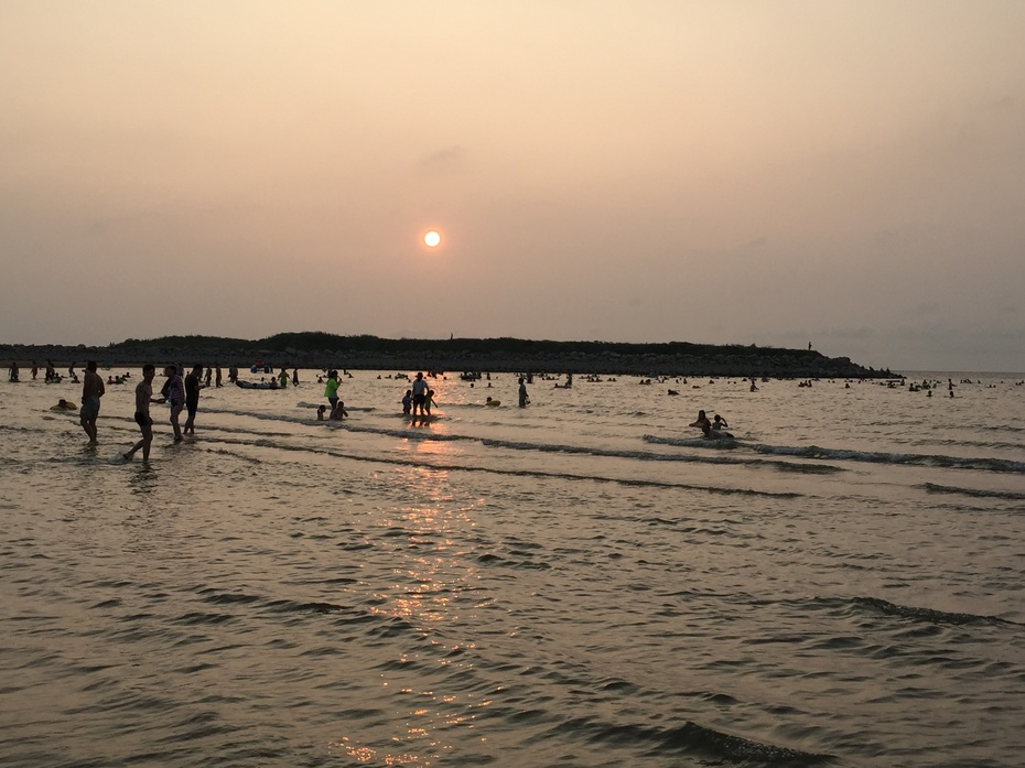夕阳下的东海黄金海岸 - 余昌国 - 我的博客