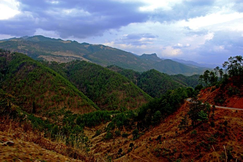 三江之门罗古箐,丹霞地貌映山红--云南剑川游之七 - 侠义客 - 伊大成 的博客