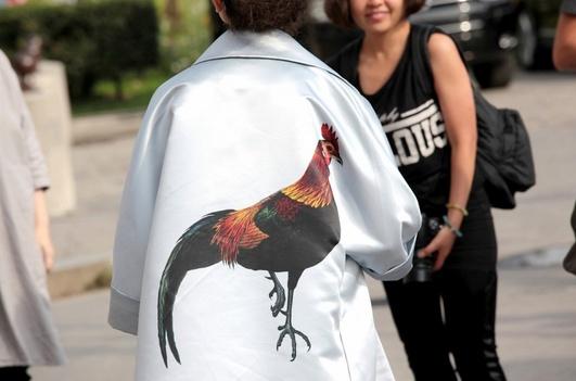 俏皮动物图案 早春度假最相宜 - VOGUE时尚网 - VOGUE时尚网