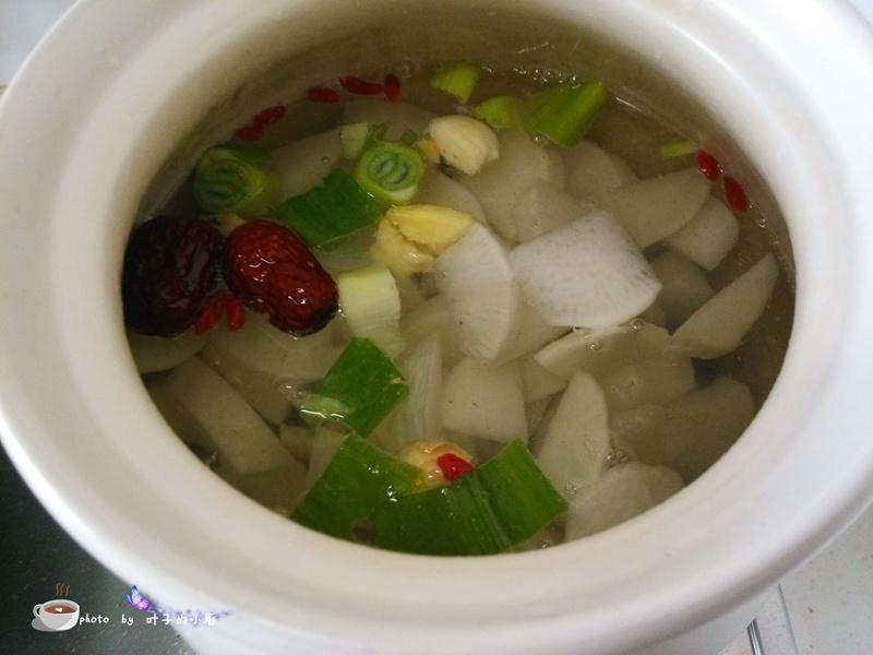 【美食春晚】萝卜玉米炖棒骨 - 叶子 - 叶子的小厨