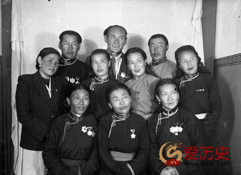 50年代中国援助下的蒙古 - 爱历史 - 爱历史---老照片的故事