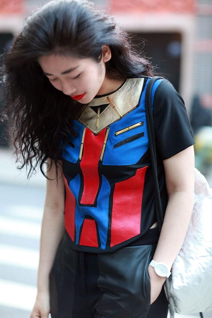 【雌和尚搭配】蜘蛛侠和变形金刚为什么都是红与蓝 - toni雌和尚 - toni 雌和尚的时尚经