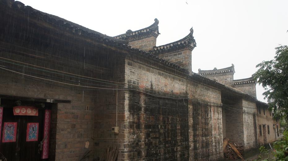 暴雨中探访山中大院 - 余昌国 - 我的博客