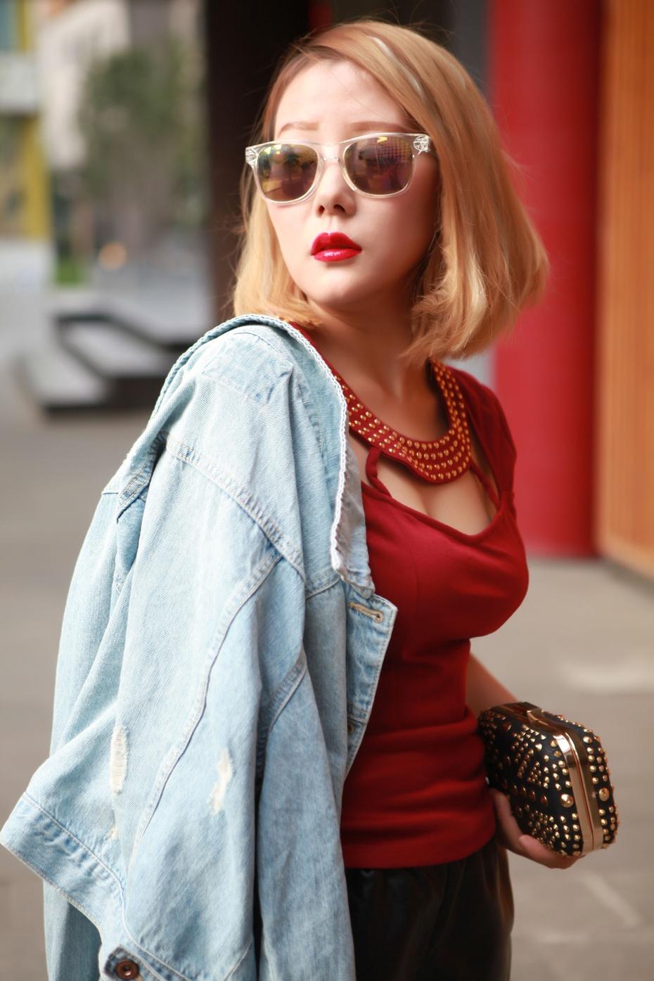 妖精边儿——华丽红唇唯有你阿玛尼臻致丝绒哑光唇釉 - heheweilong - 妖精边儿的博客