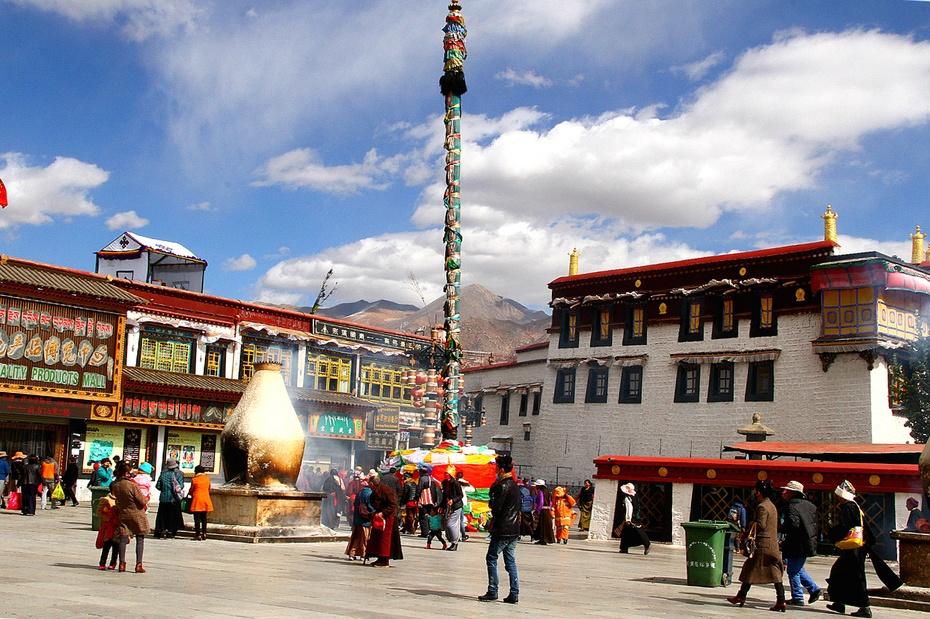西藏:念着情诗走进流光溢彩的大昭寺 - 海军航空兵 - 海军航空兵