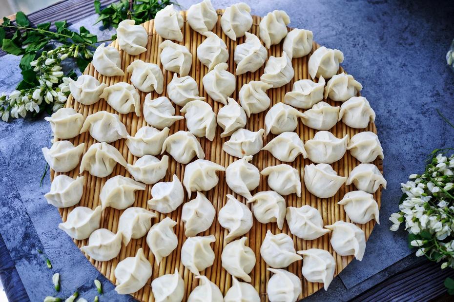 槐花猪肉水饺,又香又软又嫩实在是香-狼之舞 - 荷塘秀色 - 茶之韵