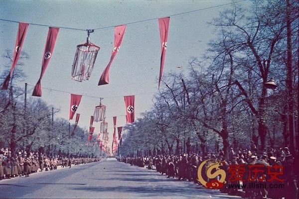 """1937年纳粹统治下的""""活力""""柏林 - 爱历史 - 爱历史---老照片的故事"""