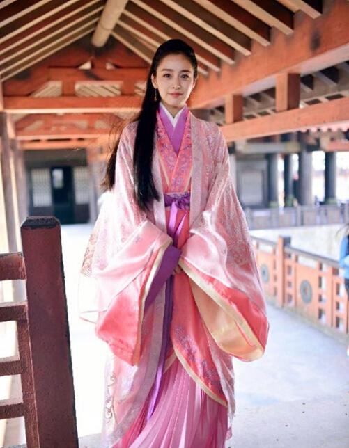 韩国女星组团拍中国古装戏 林允儿被吐槽像丫鬟 - 嘉人marieclaire - 嘉人中文网 官方博客