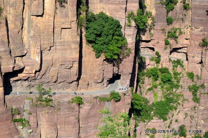郭亮村是万仙山风景区的核心景点,这里山势独特,谷幽崖高,村子还还可