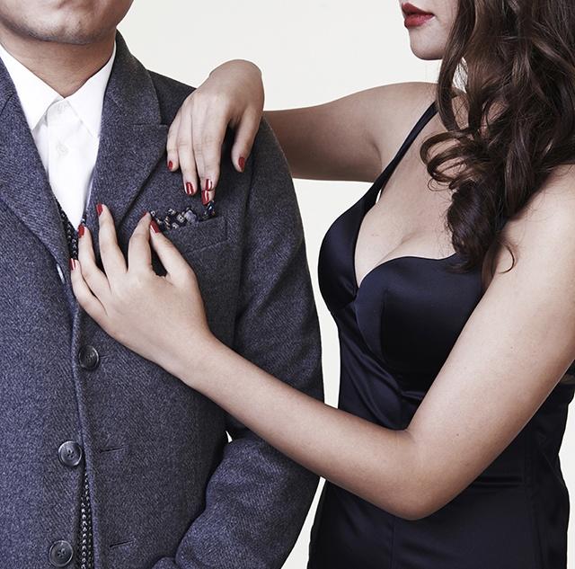 辣妹教学 如何捣腾口袋巾 - GQ智族 - GQ男士网官方博客