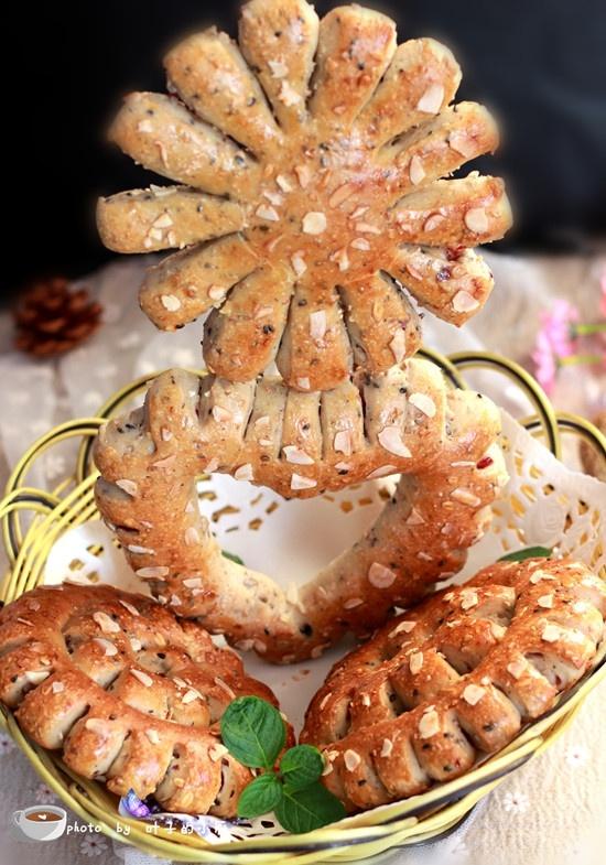 蔓越莓多谷面包 - 叶子的小厨 - 叶子的小厨